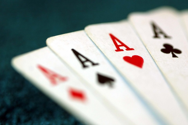 poker online live chat